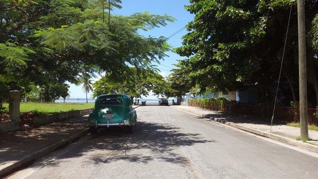 old-car-cienfuegos-cuba-express