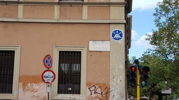 space-invaders-vatican